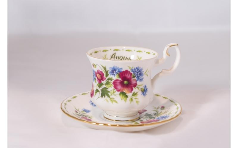 Tazzina da caffè Royal Albert Flower con piattino Agosto