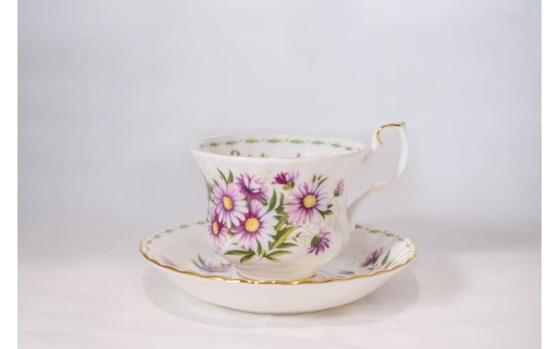 Tazza da tè Royal Albert Flower con piattino Settembre