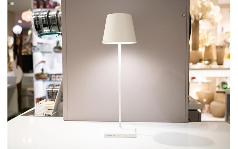 Lampada da tavolo Led di Zafferano collezione Poldina colore Bianco